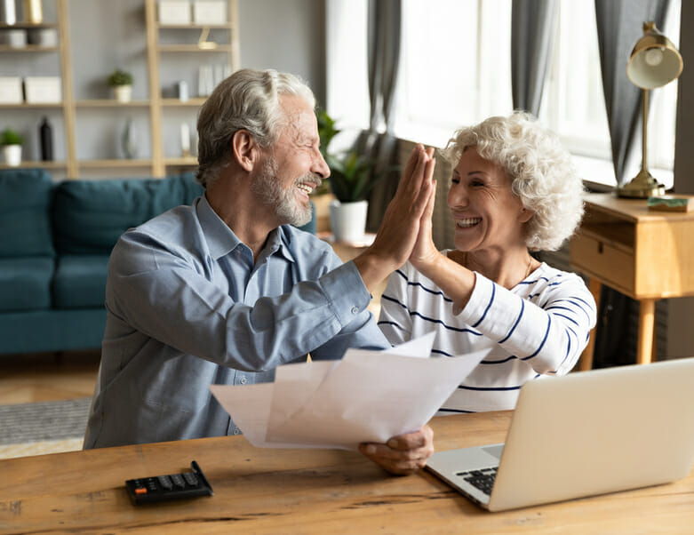 Overexcited couple because of air conditioning service